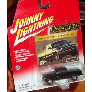 CLASSIC GOLD COLLECTION 1996 Dodge Ram Club Cab 2500 Toys & Games