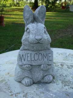 WELCOME BUNNY CONCRETE GARDEN STATUE   ANTIQUED WHITE