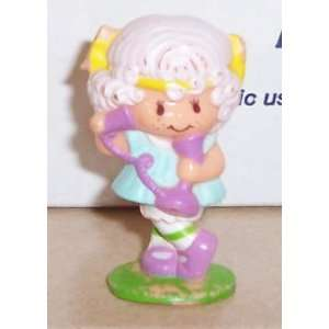 1982 Kenner Strawberry Shortcake Angel Cake On Phone Miniature Figure