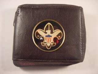 BOY SCOUTS ZIPPERED BROWN LEATHER BIFOLD WALLET NEW
