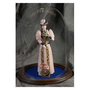 2011 Avon Mrs. Albee Figurine: Home & Kitchen