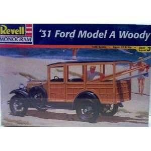 Revell Monogram 7637 1931 Ford Model A Woody   Plastic