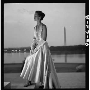 Fashion model posing,evening gown,steps,Jefferson Memorial
