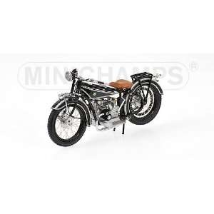 Diecast Model Motorcycle in 1:18 Scale by Minichamps: Toys & Games