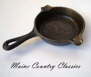 Vintage WAGNER WARE CAST IRON SKILLET ASHTRAY 1050A