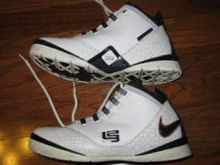 NIKE ZOOM SOLDIER II LEBRON JAMES ADULT MENS BASKETBALL SHOES WHITE