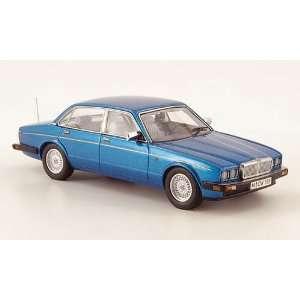 Jaguar XJ 40, 1990, Model Car, Ready made, Neo Scale Models