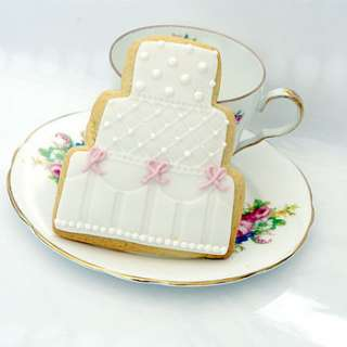 Beautiful, large wedding cake vanilla butter biscuit, lovingly hand