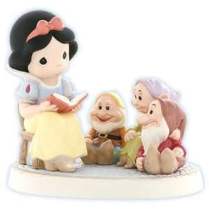 Precious Moments Snow White Gathering Friends Together Is